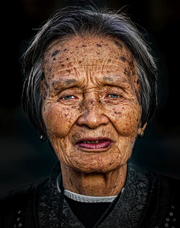 Grand Mom, Bandara  Pandula , Sri Lanka