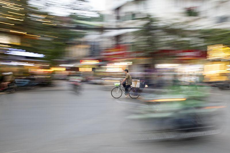 Motion In Hanoi Market, Al-qazwini  Bahaadeen , Kuwait