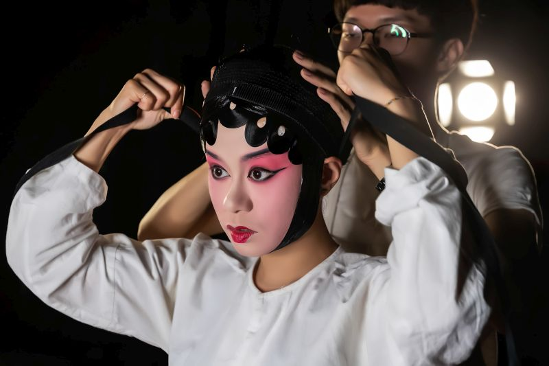 Makeup Before Taking The Stage 1, Chang  Jen-chieh , Taiwan