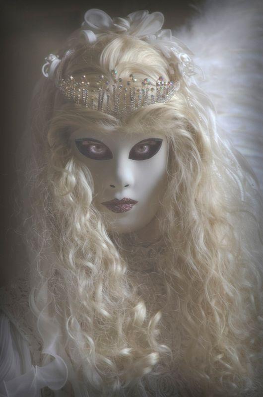 Angel Eyes, Sawyer  Keith , England