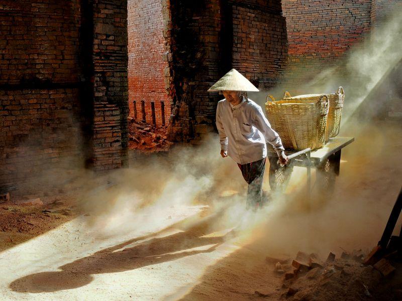 Hard Working, Tran  Phong , Vietnam