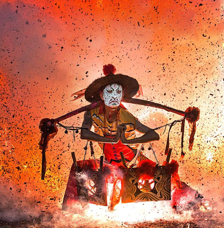Fire Bath05, Huang  Woodpecker , Taiwan