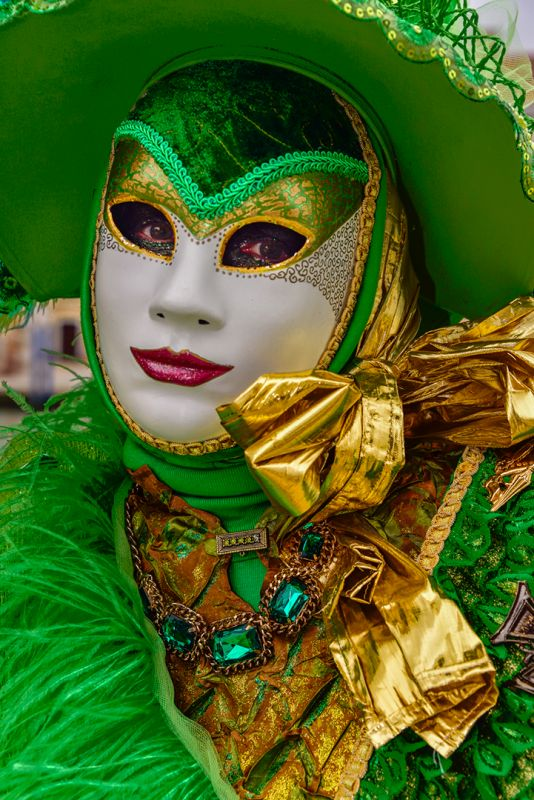 Green Mask Close Up, Mazansky  Cyril , Usa