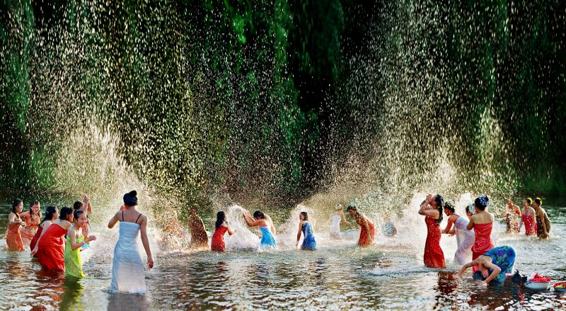 As If Fairies Falling On The Earth, Cui  Zhoufan , China