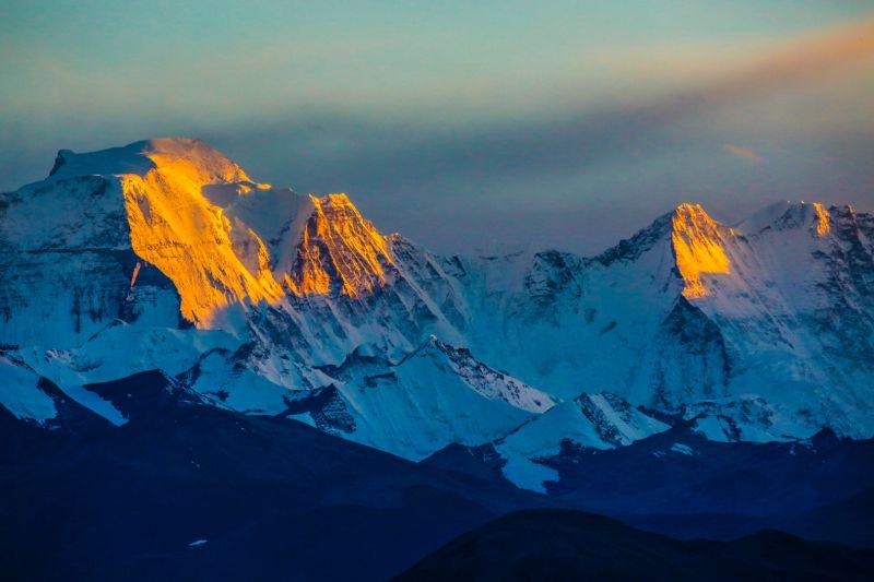 Blazing Sunlight On Snow Mountains, Zhang  Yongjiang , China