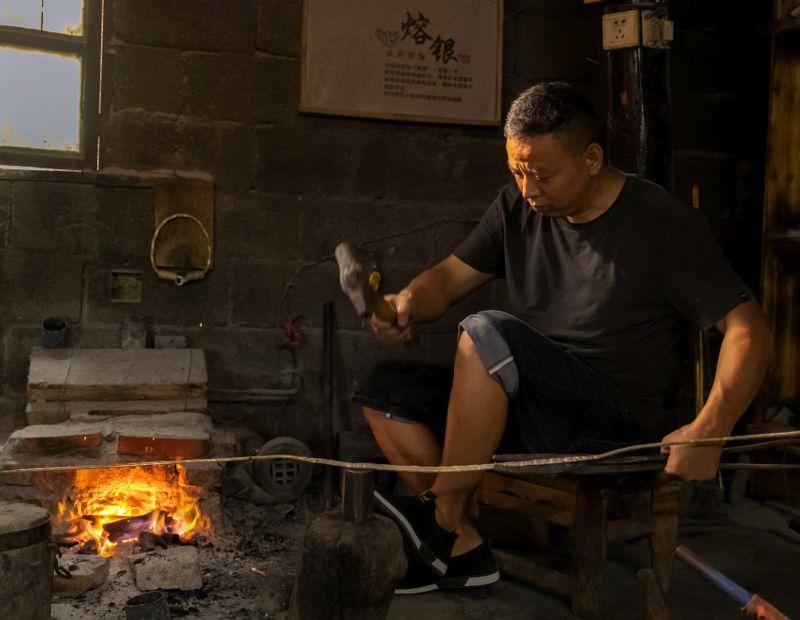 Forge Miao Silver Jewelry, Chen  Yu'e , China