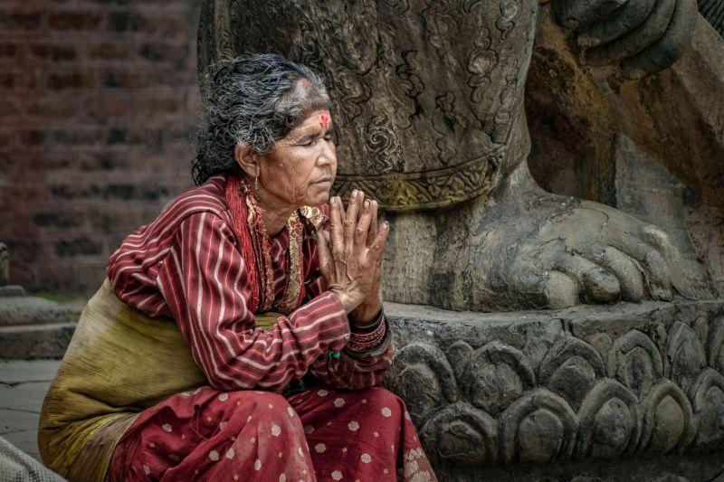 Praying, Li  Chuanzhong , China