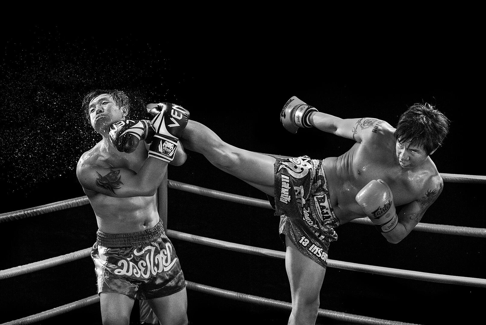WENDY WAI Man LAM boxing kick